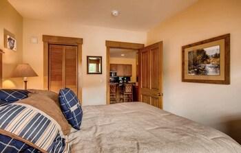 Premier Condo, 3 Bedrooms (Springs)