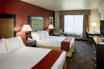 Standard Room, 2 Queen Beds (Extra Floor Space)