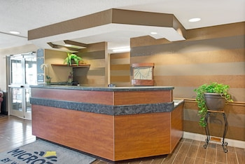 Microtel Inn & Suites by Wyndham San Antonio Downtown Northeast photo