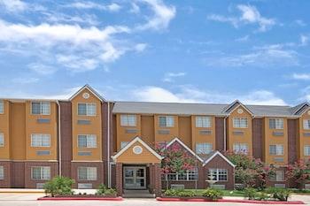 東北溫德姆聖安東尼奧市中心麥可羅特爾套房飯店 Microtel Inn & Suites by Wyndham San Antonio Downtown Northeast