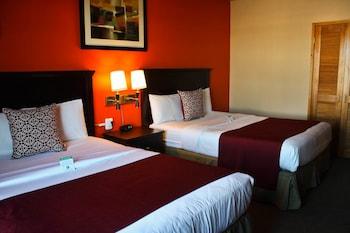 2 Queen Beds, Marina View