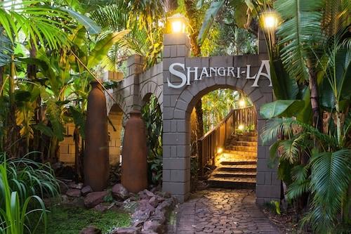 . Shangri-La Country Hotel