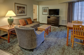 2 Bedroom Suite with 1 King & 1 Queen Bed
