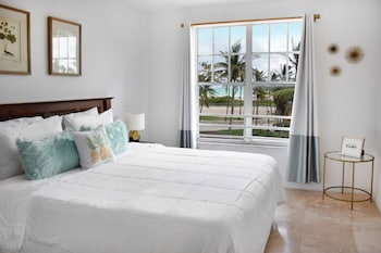 Signature Room, 1 King Bed, Ocean View