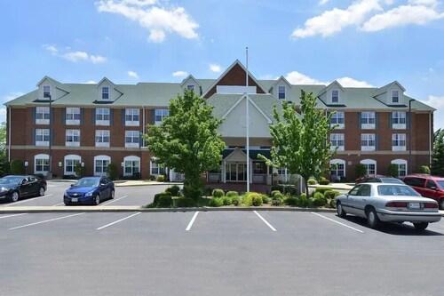 . FairBridge Inn & Suites Marion