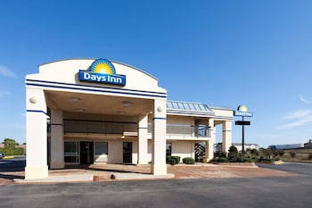 Days Inn Oklahoma City West 4 9 Miles From Chesapeake Energy Arena