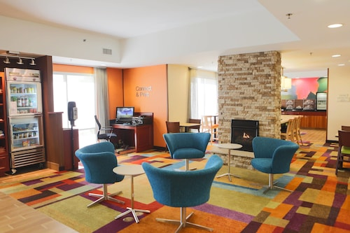 . Fairfield Inn & Suites Lexington Berea