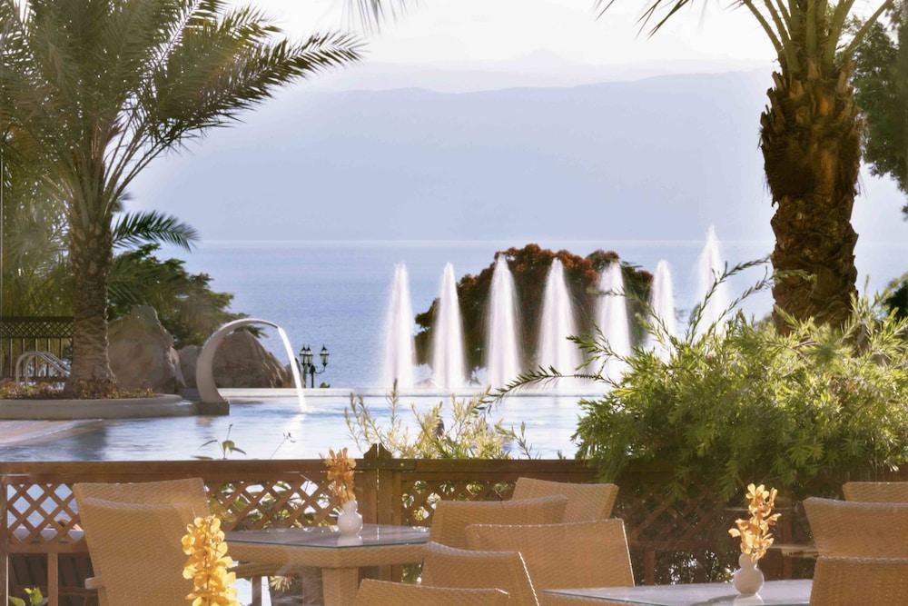 https://i.travelapi.com/hotels/1000000/800000/797200/797196/2393c2ba_z.jpg