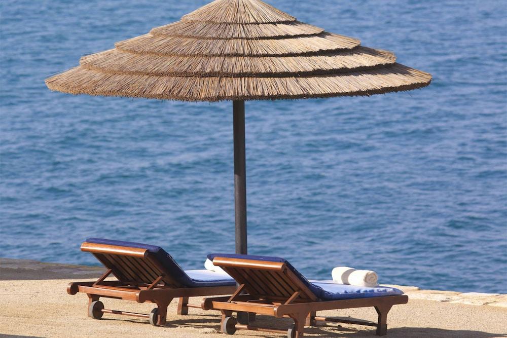 https://i.travelapi.com/hotels/1000000/800000/797200/797196/84c95886_z.jpg