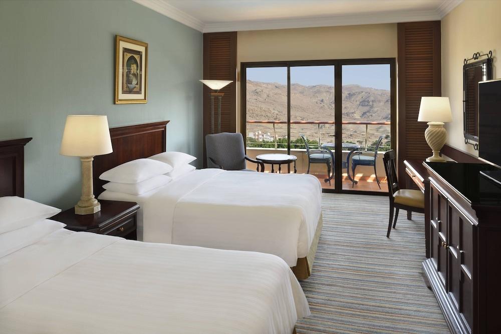 https://i.travelapi.com/hotels/1000000/800000/797200/797196/93da34e7_z.jpg