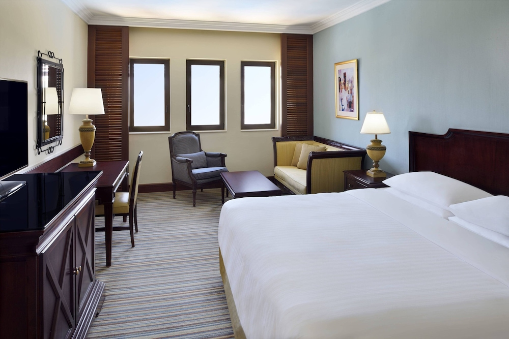 https://i.travelapi.com/hotels/1000000/800000/797200/797196/bea57578_z.jpg