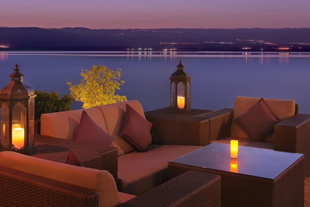https://i.travelapi.com/hotels/1000000/800000/797200/797196/c7953c70_z.jpg