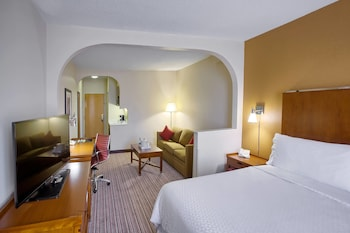 Junior Suite, 1 Bedroom, Balcony, Corner