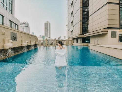 . JW Marriott Hotel Jakarta