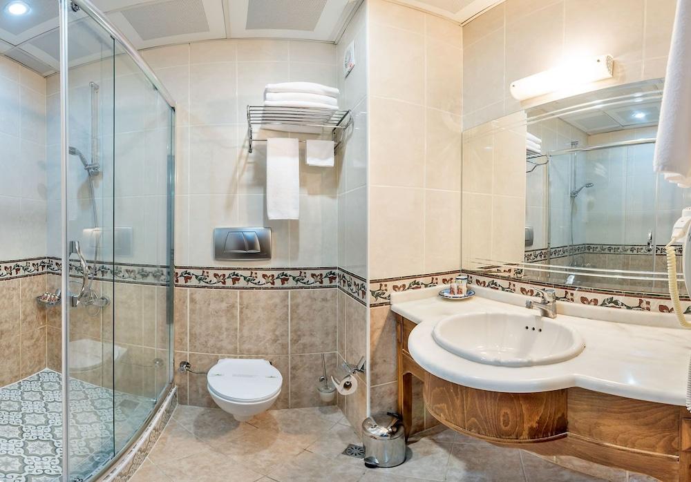 세븐 힐스 호텔 - 스페셜 클래스(Seven Hills Hotel - Special Class) Hotel Image 22 - Bathroom