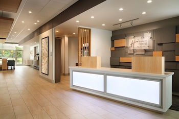 Holiday Inn Express & Suites Locust Grove