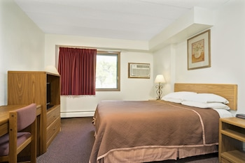 Upgraded, Room, 1 Queen Bed, Non Smoking
