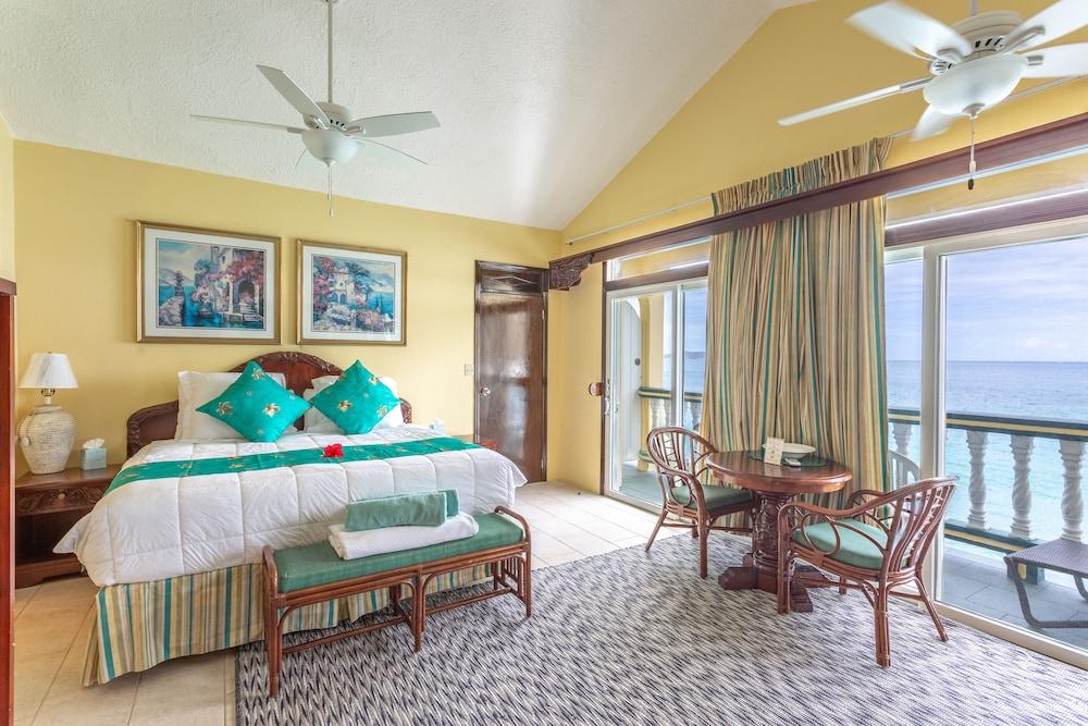 https://i.travelapi.com/hotels/1000000/810000/803300/803227/df653dd3_z.jpg