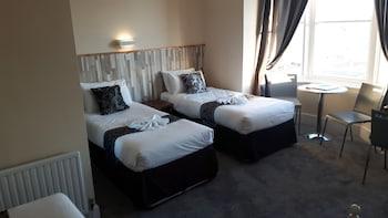 Standard Triple Room, Ensuite, Sea View