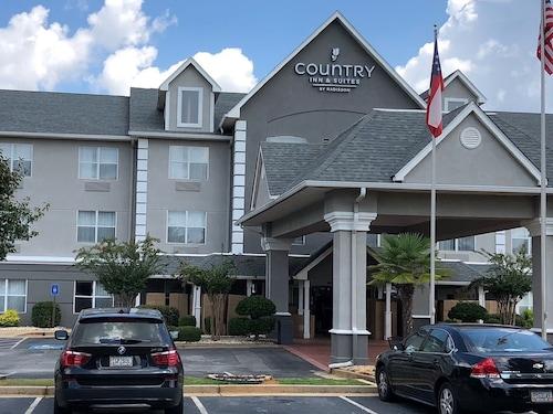 . Country Inn & Suites by Radisson, McDonough, GA