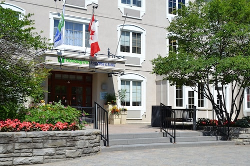 __{offers.Best_flights}__ Holiday Inn Express and Suites Tremblant