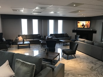 Lobby Lounge at Country Comfort Hunts Liverpool in Casula