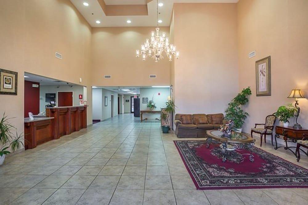 페어브리지 인 익스프레스 휘틀리 시티(FairBridge Inn Express Whitley City) Hotel Image 15 - Hallway