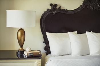 Guestroom at French Quarter Inn in Charleston