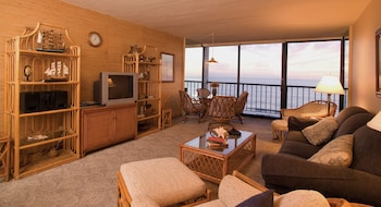 Standard Condo, 1 Bedroom, Ocean View (1 Queen, 1 Sofa Bed)