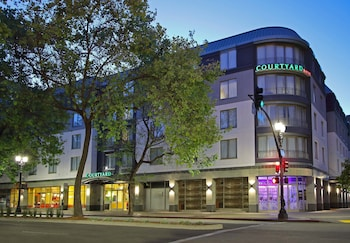 Courtyard by Marriott Oakland Downtown