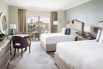 Room, 2 Queen Beds, Balcony, Marina View