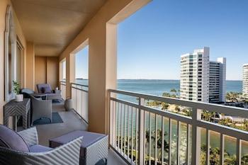 Club Suite, 1 Bedroom, Non Smoking (Ritz-Carlton, Club Level)