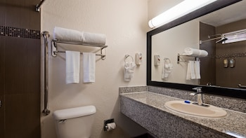 Best Western Americana Inn - Bathroom  - #0