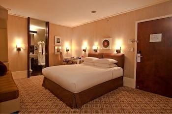 Luxury Room, 1 Queen Bed, Accessible