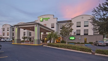 Holiday Inn & Suites Opelousas