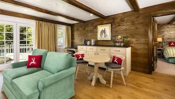 Gore Creek 1 Bedroom Suite 1 King and Single Murphy