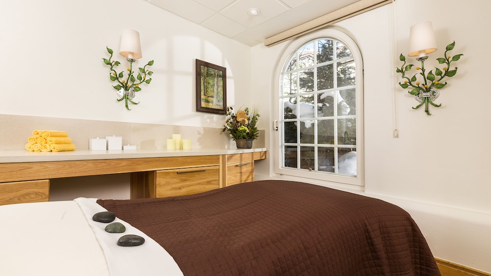 Suite, 2 Bedrooms (Vail Mountain Bi Level)