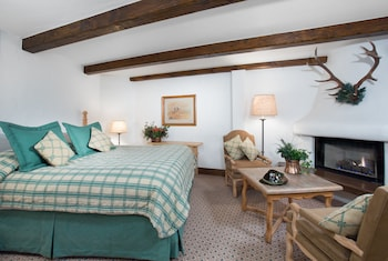 Bald Mountain 1 Bedroom Suite 1 King and Double Murphy
