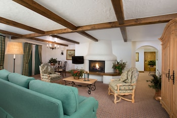 Vail Mountain 2 Bedroom Suite 1 King and 2 Doubles 1 Floor