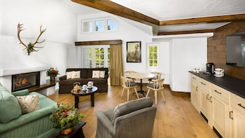 Vail Mountain 2 Bedroom Suite 1 King and 2 Doubles Bi Level