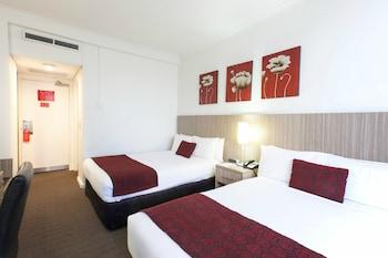 Guestroom at Metro Hotel Marlow Sydney Central in Haymarket