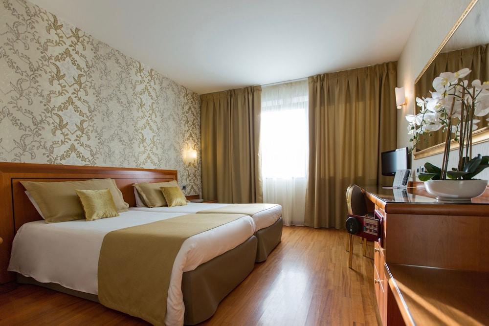 Montresor Hotel Palace, Featured Image