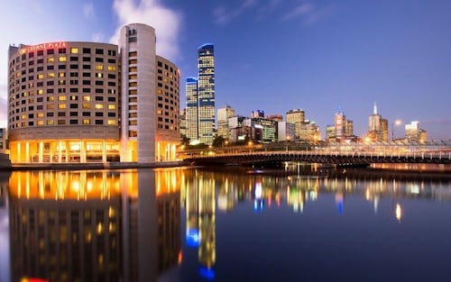 Crowne Plaza Melbourne, Melbourne