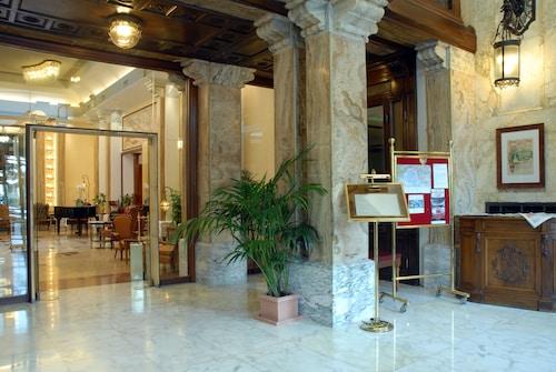 . Grand Hotel Savoia