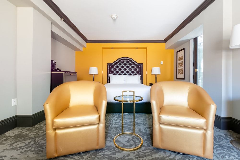 https://i.travelapi.com/hotels/1000000/850000/849200/849193/24cf96f9_z.jpg