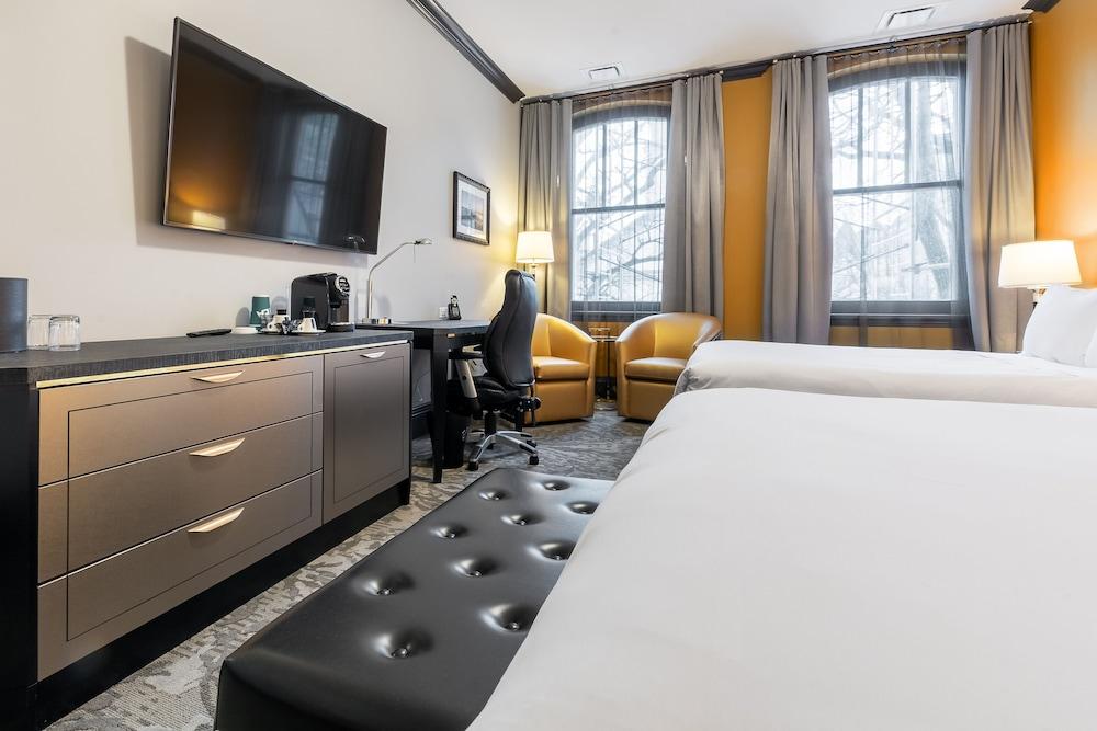 https://i.travelapi.com/hotels/1000000/850000/849200/849193/dd7ef713_z.jpg