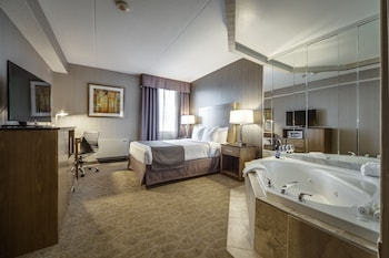 Queen Suite with Jetted Tub
