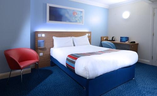 Travelodge Cork Airport Hotel,