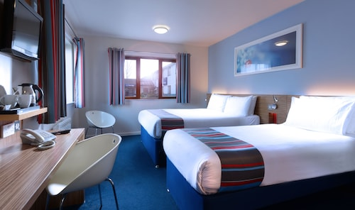 . Travelodge Cork Airport Hotel