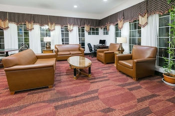 Days Inn & Suites by Wyndham Ft. Worth DFW Airport South